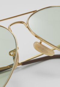 Ray-Ban - Sunglasses - gold-coloured/light green - 4