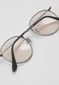 Ray-Ban - Sonnenbrille - gunmetal/pink - 2