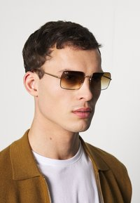 Ray-Ban - Zonnebril - gold-coloured/brown - 1
