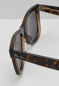 Ray-Ban - Sunglasses - mottled black - 5