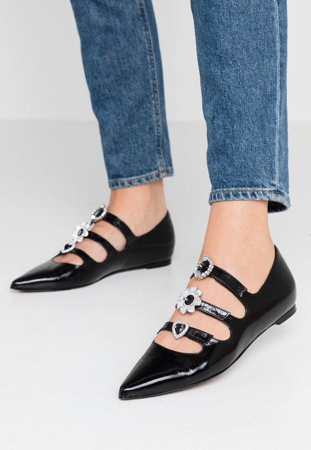 ICON - Ankle strap ballet pumps - malory black