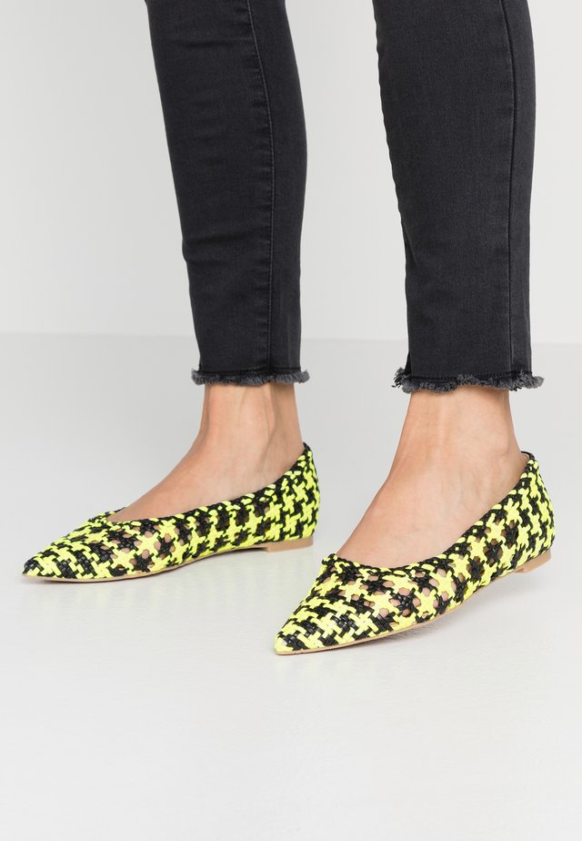 Ballet pumps - lemon
