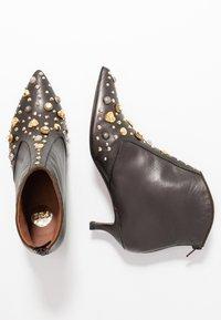 RAS - KATARI - Kotníková obuv - patina brown - 3