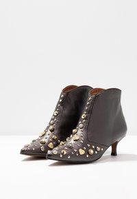 RAS - KATARI - Kotníková obuv - patina brown - 4