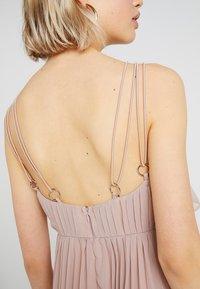 Rare London - RING BACK DETAIL PLEATED DRESS - Suknia balowa - dusky pink - 3