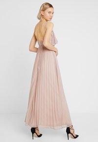 Rare London - RING BACK DETAIL PLEATED DRESS - Suknia balowa - dusky pink - 2