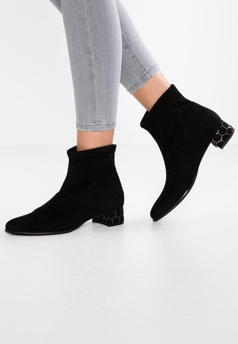 Rapisardi - KIMMIE BOOTIE - Classic ankle boots - black