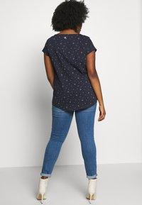 Ragwear Plus - ROSANNA PLUS - T-shirt med print - navy - 2