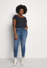 Ragwear Plus - ROSANNA PLUS - T-shirt med print - navy - 1