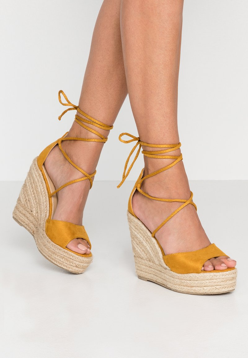 RAID - MAREA - Sandaler med høye hæler - mustard