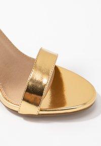 RAID - NARISSA - Sandales à talons hauts - gold - 2