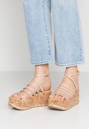 FALLON - Sandály na platformě - nude