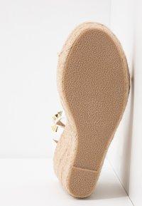 RAID - KORI - Sandály na vysokém podpatku - white - 6