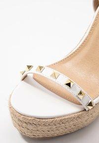 RAID - KORI - Sandály na vysokém podpatku - white - 2