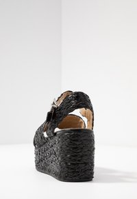 RAID - ADALYN - Sandály na platformě - black - 5