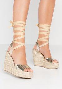 RAID - MARGARET - Højhælede sandaletter / Højhælede sandaler - gold - 0