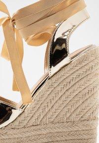 RAID - MARGARET - Højhælede sandaletter / Højhælede sandaler - gold - 2