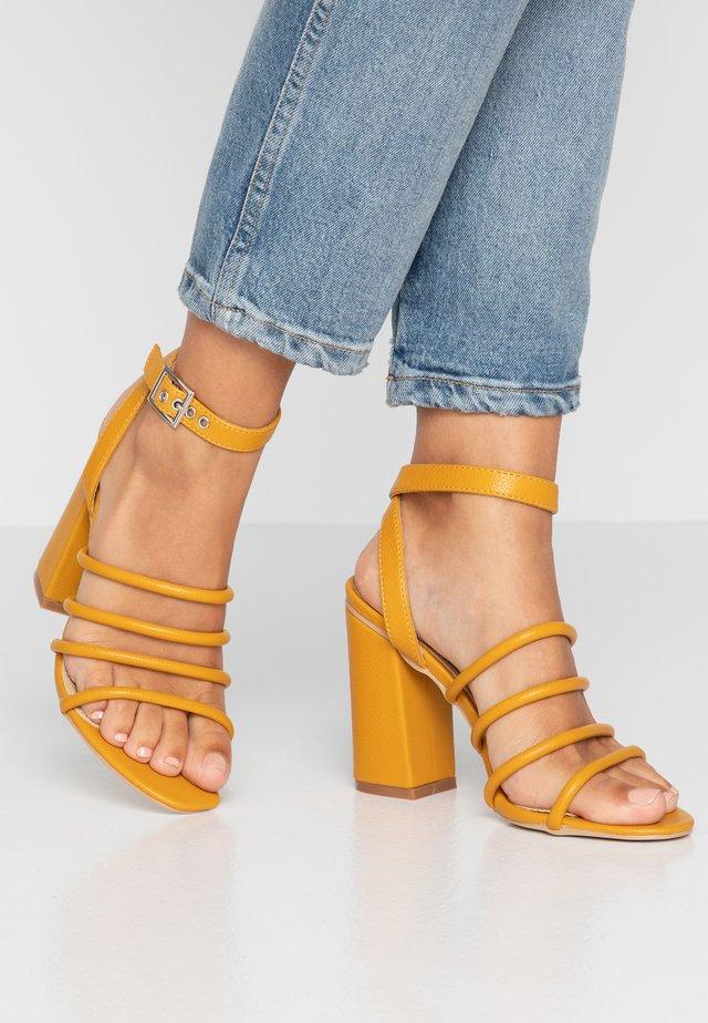 MARY - High Heel Sandalette - yellow