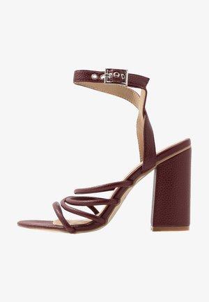 MARY - Sandaletter - rust
