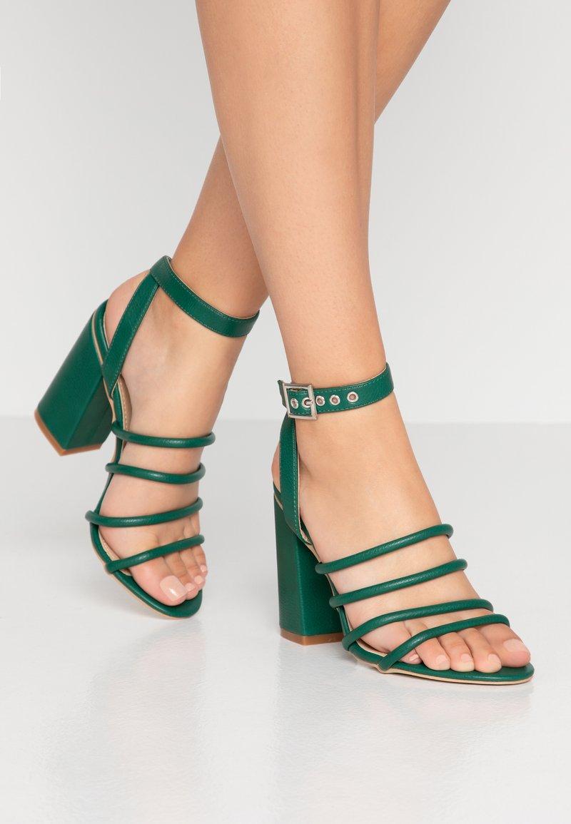 RAID - MARY - Sandály na vysokém podpatku - green