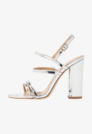 BAILEY - Sandály na vysokém podpatku - silver metallic