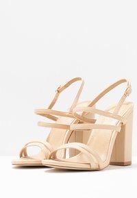RAID - BAILEY - Sandály na vysokém podpatku - nude - 4