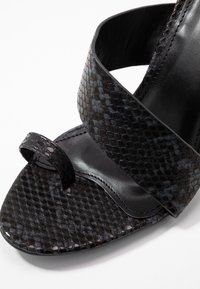 RAID - JADE - Sandály na vysokém podpatku - black - 2