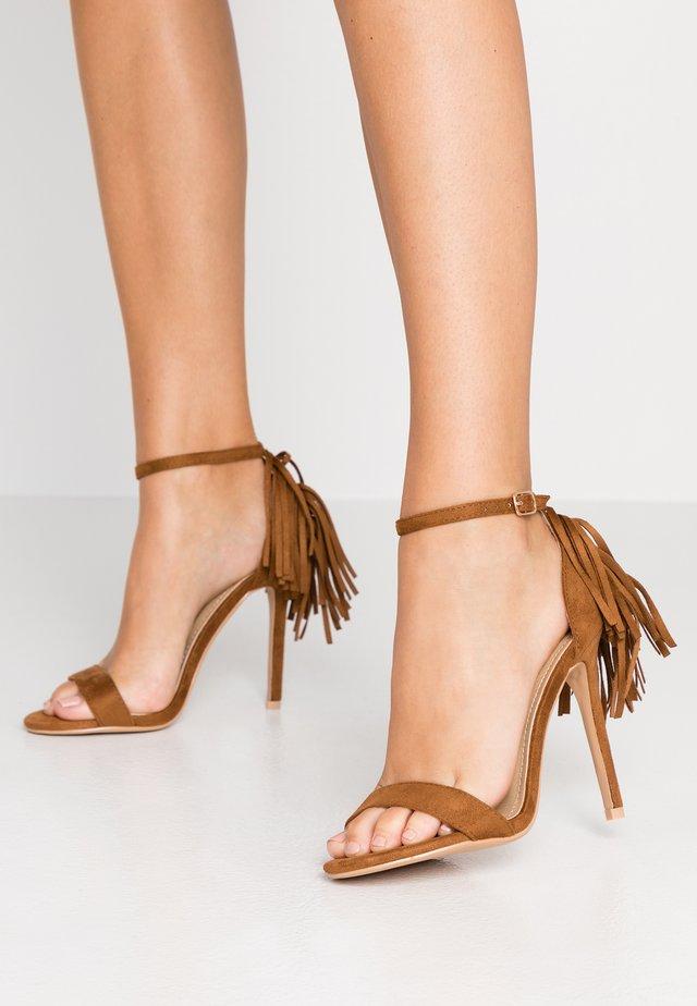 KATHERINE - Sandály na vysokém podpatku - tan