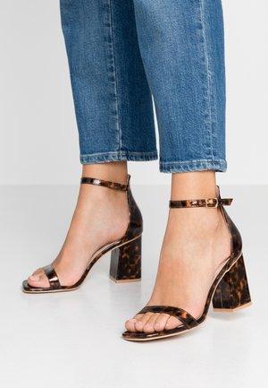 ALIYA - Sandály na vysokém podpatku - brown