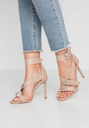 LINDSEY - Sandály na vysokém podpatku - nude