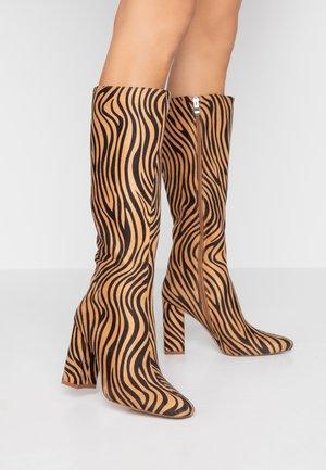 JOELLE - Boots med høye hæler - tan