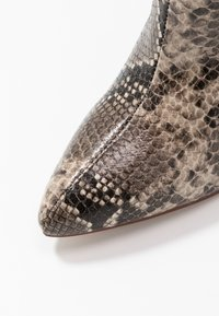 RAID - LAURITA - Boots med høye hæler - beige - 2