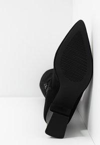 RAID - FELISA - Kozačky nad kolena - black - 6
