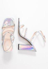 RAID - NISSEY - Sandały na obcasie - silver holographic - 3
