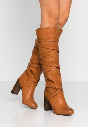 GRACIA - Boots med høye hæler - tan