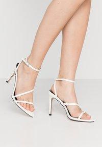 RAID - ROSIE - Korolliset sandaalit - white - 0