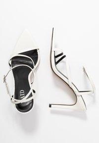 RAID - ROSIE - Korolliset sandaalit - white - 3