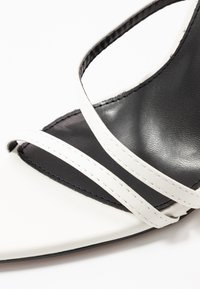 RAID - ROSIE - Korolliset sandaalit - white - 2