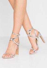 RAID - OPRAH - Sandaler med høye hæler - silver metallic - 0