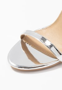 RAID - OPRAH - Sandaler med høye hæler - silver metallic - 2