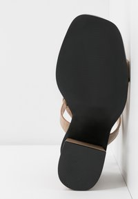 RAID - QUEENIE - Sandales à talons hauts - nude - 6