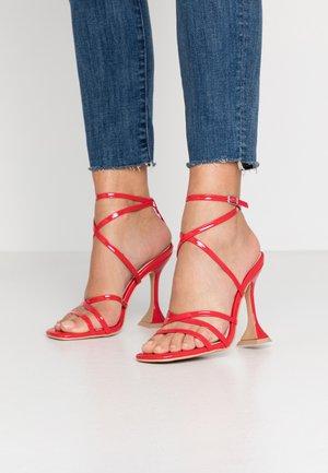 MADRONA - Sandalen met hoge hak - red