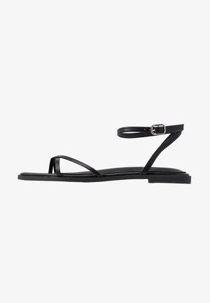 CANYON - Sandály s odděleným palcem - black