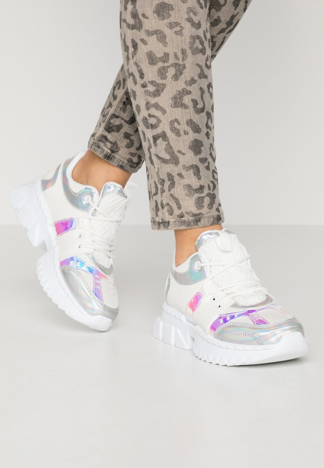 HADIS - Sneakers - white/silver highshine
