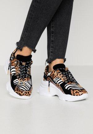 IBIZA - Sneakers basse - brown
