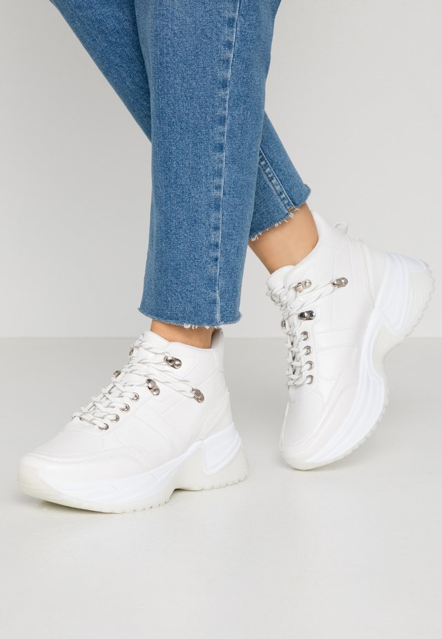 JAX - Höga sneakers - white