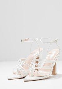 RAID - GLADDIN - Sandaler med høye hæler - white - 4