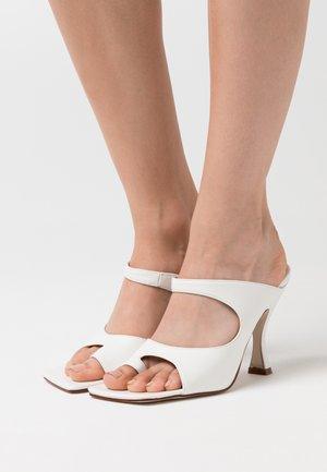 NINA - Sandalias de tacón - white