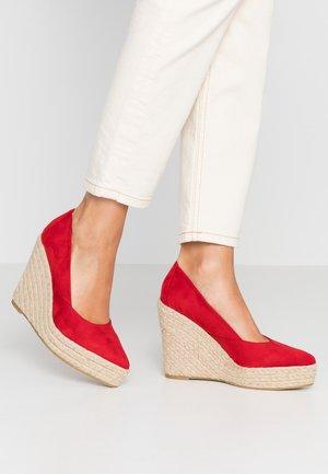 TANIKA - Zapatos altos - red