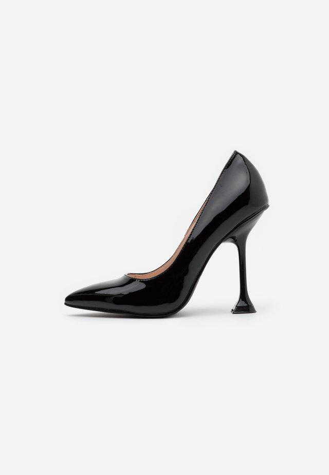 RUMER - Høye hæler - black
